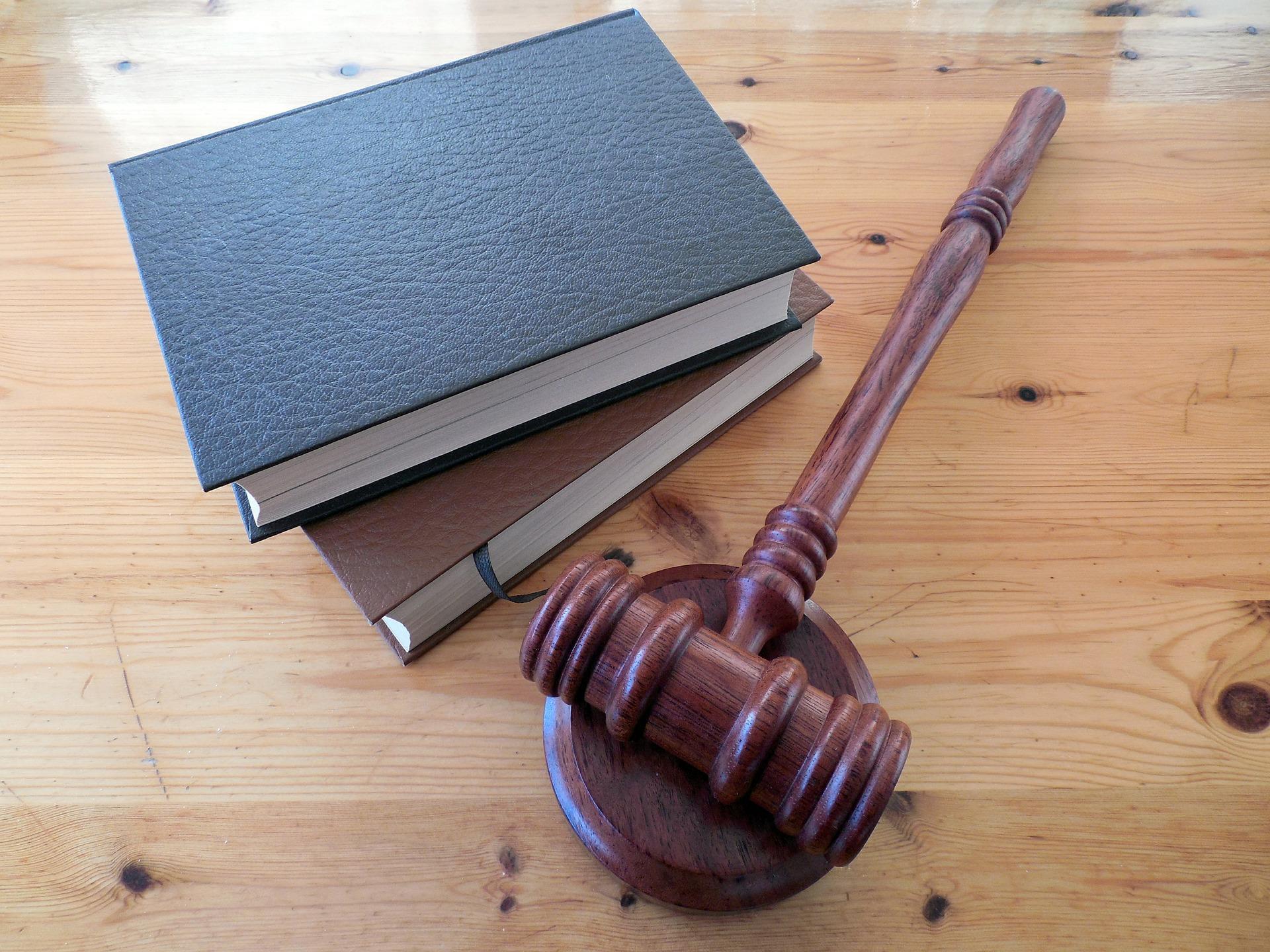 Czy zawód adwokata wciąż jest opłacalny?